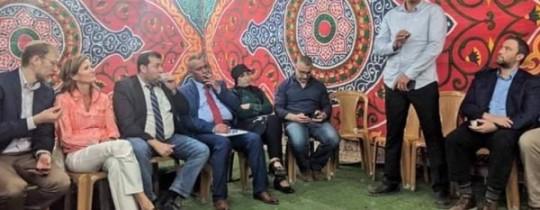إفطار رمضاني تطبيعي جمع نشطاء فلسطينيين ومستوطنين صهاينة في الخليل قبل أيام - وكالات