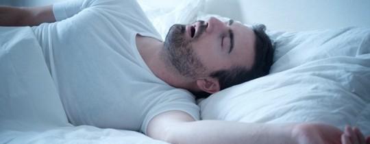 الحرمان من النوم لمدة ليلة واحدة، يزيد من خطر الإصابة بالأمراض الأيضية - تعبيرية