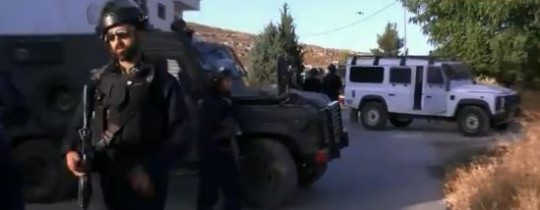 جانب من اقتحام قوات الاحتلال لمخيم العروب (الهدف)