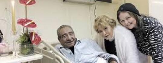 الشاعر الابنودي يرقض في المشفى