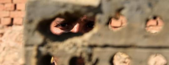 تحذير من الانهيار: أكثر من 220 ألف عاطل عن العمل في غزة!