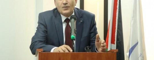 وزير الاتصالات وتكنولوجيا المعلومات اسحق سدر