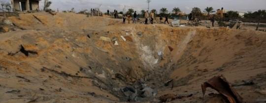 استهدف عائلة السواركة في دير البلح، تسبب باستشهاد 9 من أفرادها بينهم 5 أطفال وسيدتين