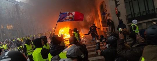 جانب من التظاهرات في فرنسا - وكالات