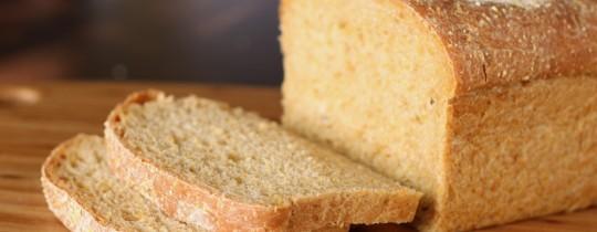 إذا توقفتَ عن تناول الخبز ستلاحظ أنك تفقد الوزن سريعاً.. لكن هذالا يعني أنك تفقد الدهون!