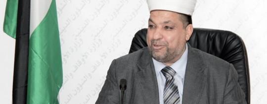 وزير الأوقاف والشؤون الدينية الشيخ يوسف إدعيس