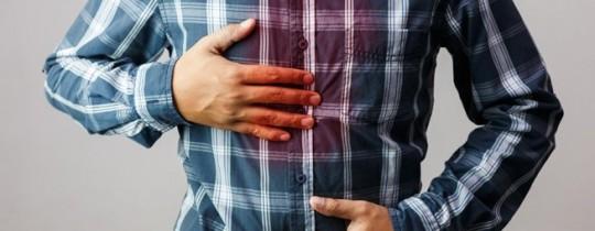 تنتج الحموضة المزمنة عن عدة أسباب مرضية بالإضافة إلى بعض العادات الخاطئة