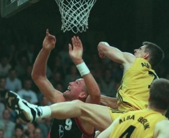 وفاة لاعب السلة الألماني كريستيان فيلب