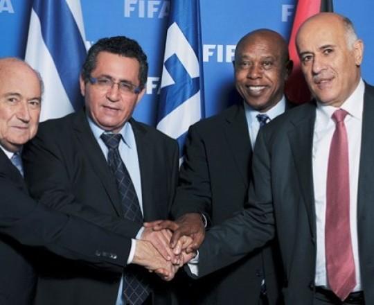 رئيس الاتحاد الوطني الفلسطيني لكرة القدم جبريل الرجوب ونطيره