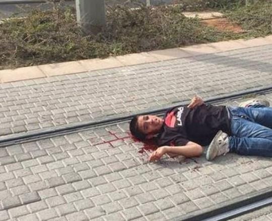 الطفل أحمد مناصرة الذي أطلق عليه جنود الاحتلال الرصاص بشكل مباشر وتركوه ينزف وهو معتقل الآن