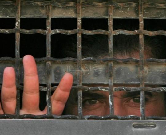 ويستمر مسلسل المعاناة داخل سجون الاحتلال