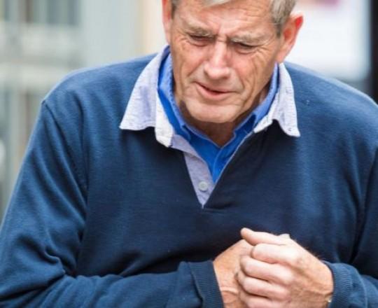 بعض الذين أُصيبوا بأزمات قلبية لم تكن حالتهم الصحية عالية الخطورة
