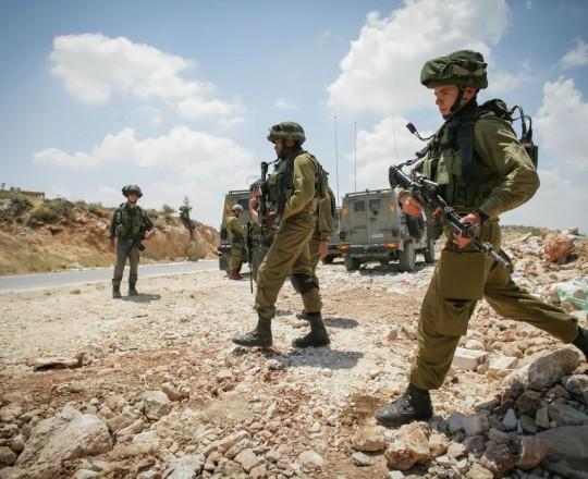 جنود الإحتلال الإسرائيلي