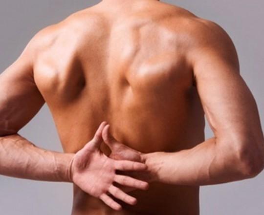 التكرار المستمر لطقطقة الظهر قد يتسبب بمشكلة طبية إذا نتج عنه الألم