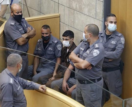 الأسير محمود العارضة في قاعة المحكمة