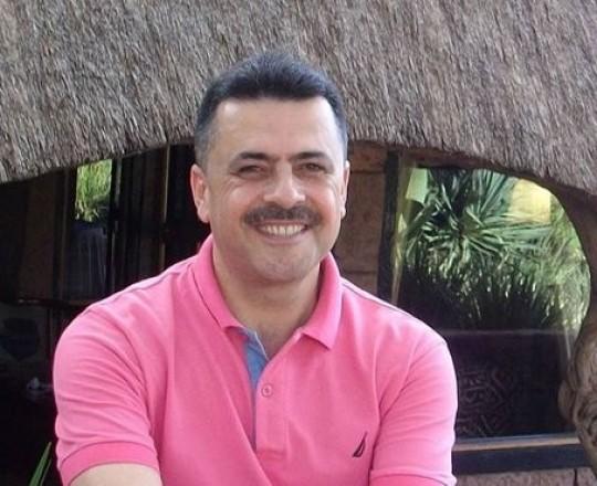 الكاتب عبد الغني سلامة
