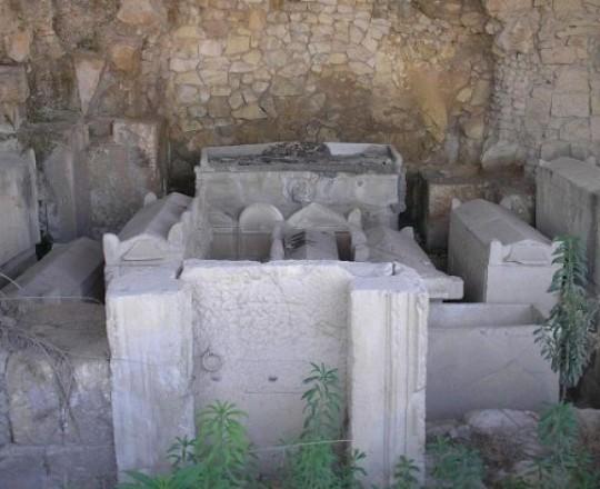 نابلس.. اكتشاف مقبرة أثرية بيزنطية
