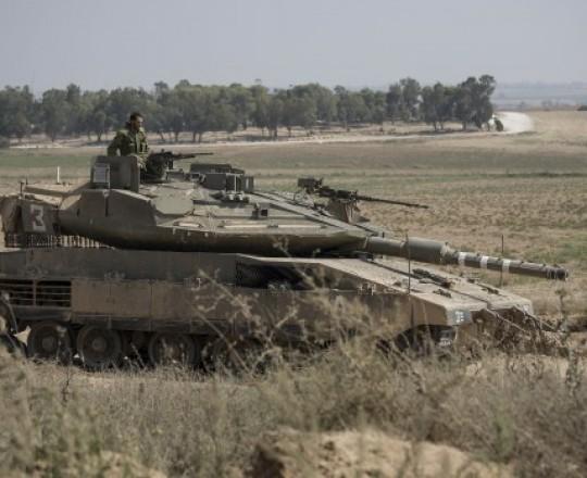 دبابة صهيونية قرب غزة