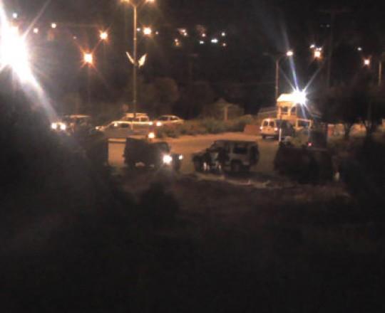 تجمع للسيارات خلال هجوم المستوطنين