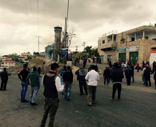 قوات الاحتلال تعتدي على شاب بالضرب المبرح في بيت أمر