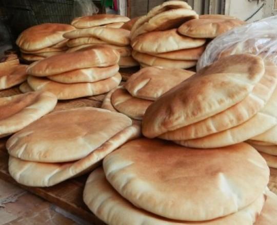 الوزن الجديد لربطة الخبز 3.300 جراماً بسعر 7 شواكل
