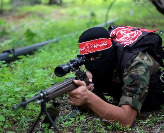 مقاتل من كتائب أبو علي مصطفى