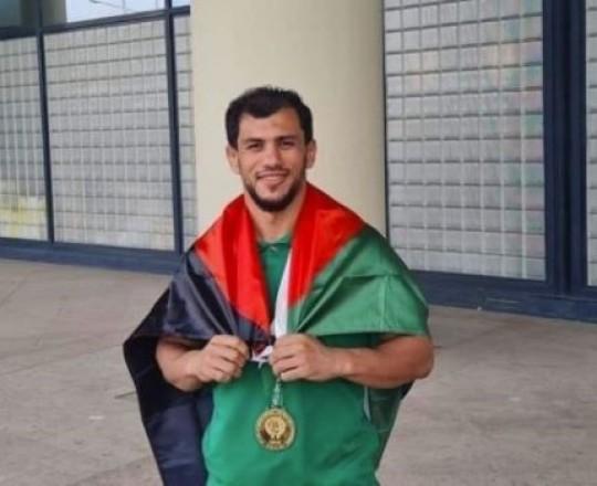 البطل الجزائري فتحي نورين