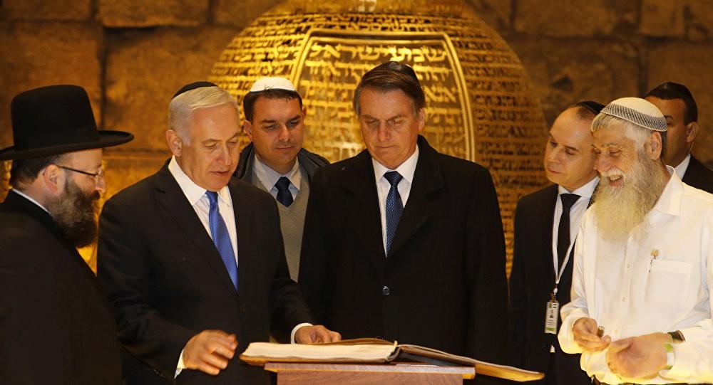 بولسونارو ونتنياهو خلال زيارته للكيان الصهيوني أواخر مارس 2019