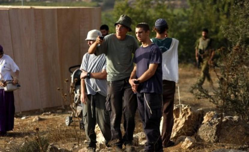نابلس: مستوطنون يهاجمون منزلا في قريوت