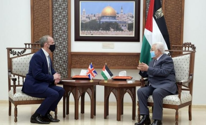 وزير الخارجية البريطاني يصل رام الله ويلتقي الرئيس عباس