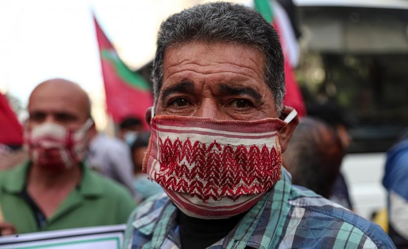 """الصحة: وفاة و103 إصابات جديدة بفيروس """"كورونا"""" بالضفة وغزة"""
