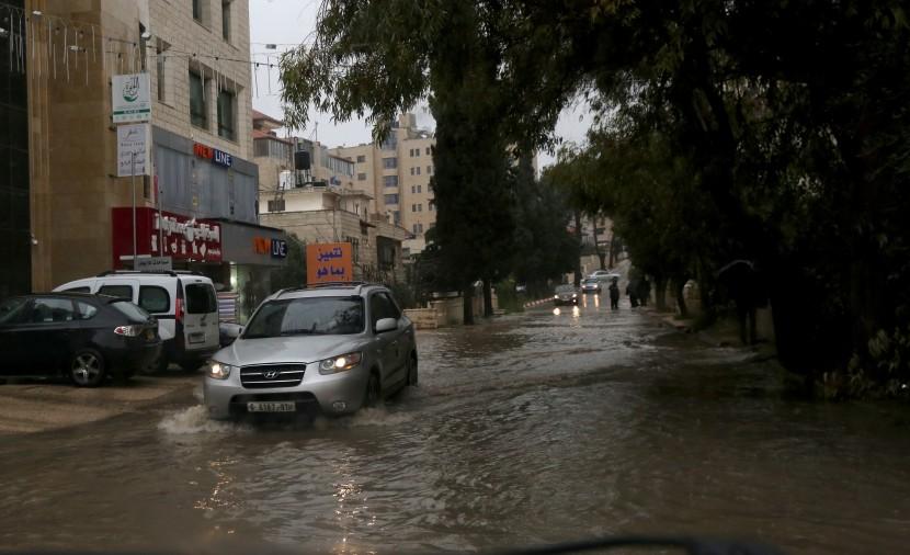 طقس فلسطين: منخفض جوي يضرب البلاد حتى الجمعة