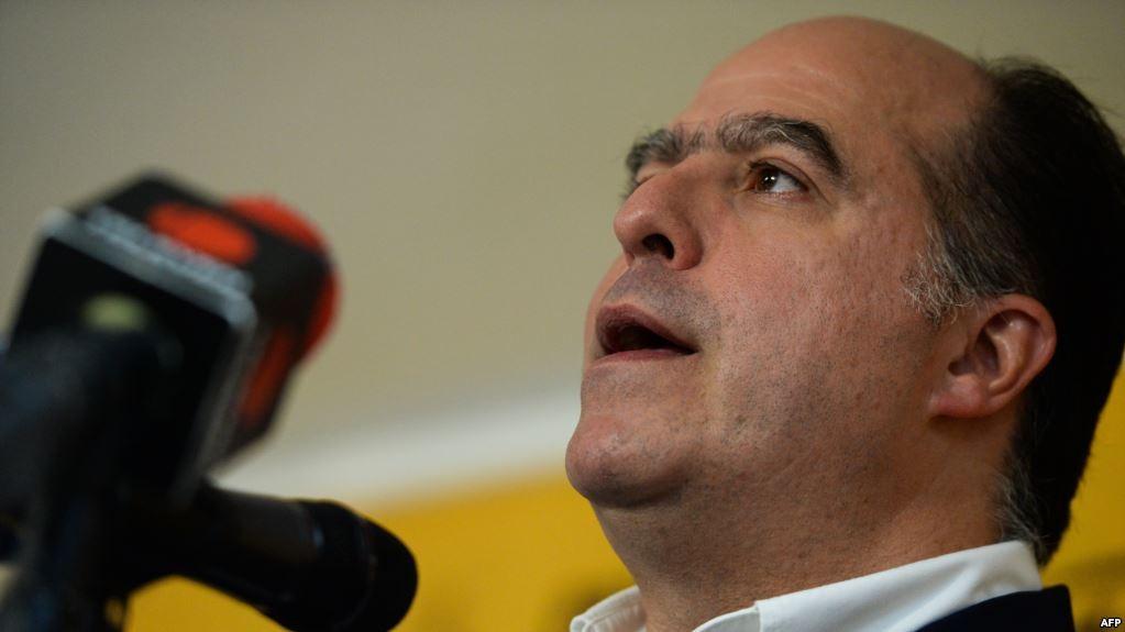 رئيس البرلمان الفنزويلي السابق المعارض خوليو بورخيس