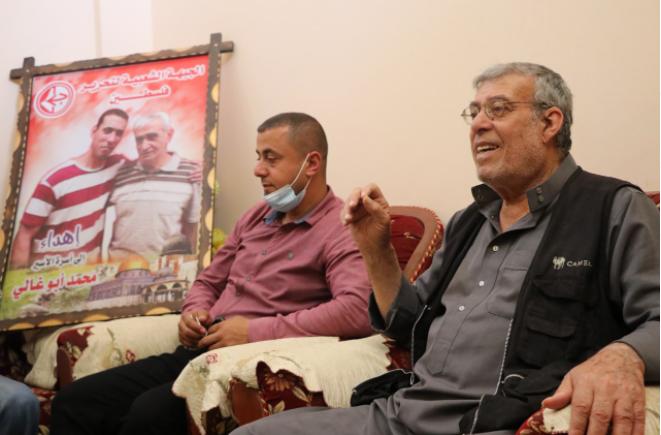 لجنة الأسرى بالشعبية تزور عوائل الأسرى في قطاع غزة (1).PNG