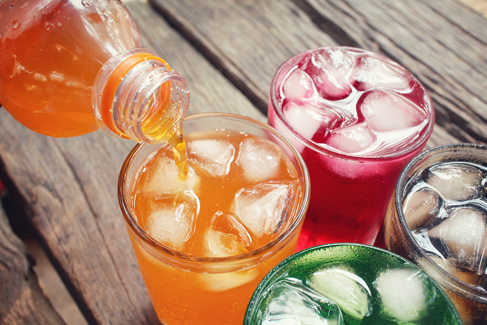 المشروبات الم حل اة خطيرة على الك لى بوابة الهدف الإخبارية