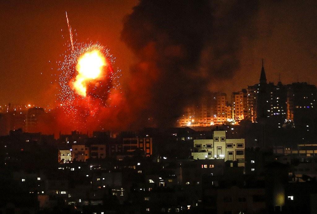 عدوان صهيوني مستمر على قطاع غزة منذ مساء الأربعاء  (9).jpg