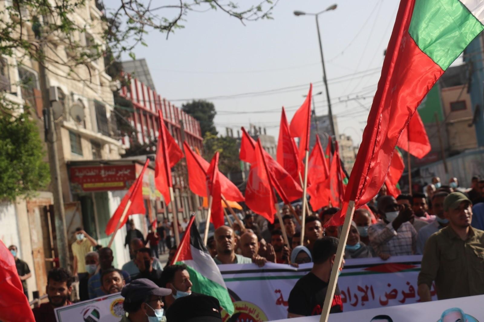 الشعبيّة والمبادرة تنظمان مسيرة جماهيرية انتصارًا للقدس ورفضًا لنهج التفرد والهيمنة (3).jpg